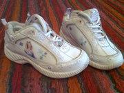 Кроссовки для девочки..