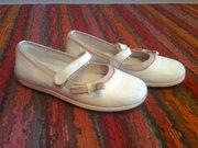 Туфли для девочки 27 размер. Кожаные. Хорошее состояние.