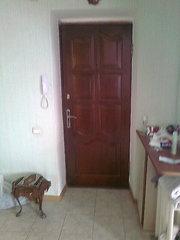 Продам б/у деревянные ввойные двери с коробом