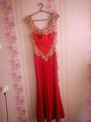 Вечернее красивое красное платье. 4500